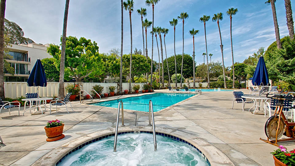 2 Bed + 2 Bath Iconic Resort Style Brentwood CA Condo