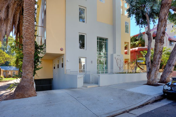 Brentwood townhome for sale in Los Angeles CA