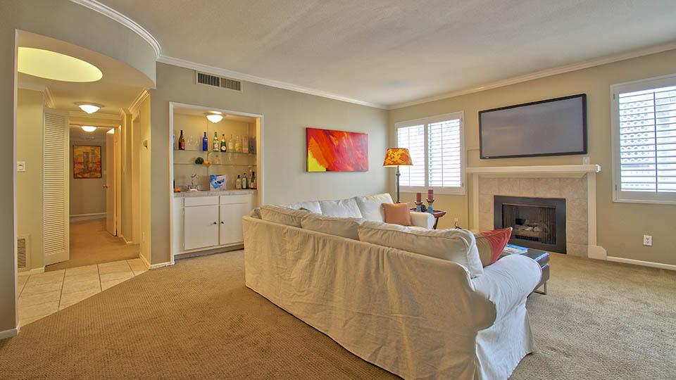 2 Bed + 2 Bath Brentwood Los Angeles Condo