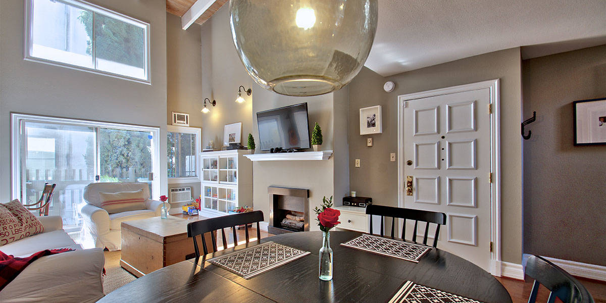 Townhouse in Brentwood for Sale